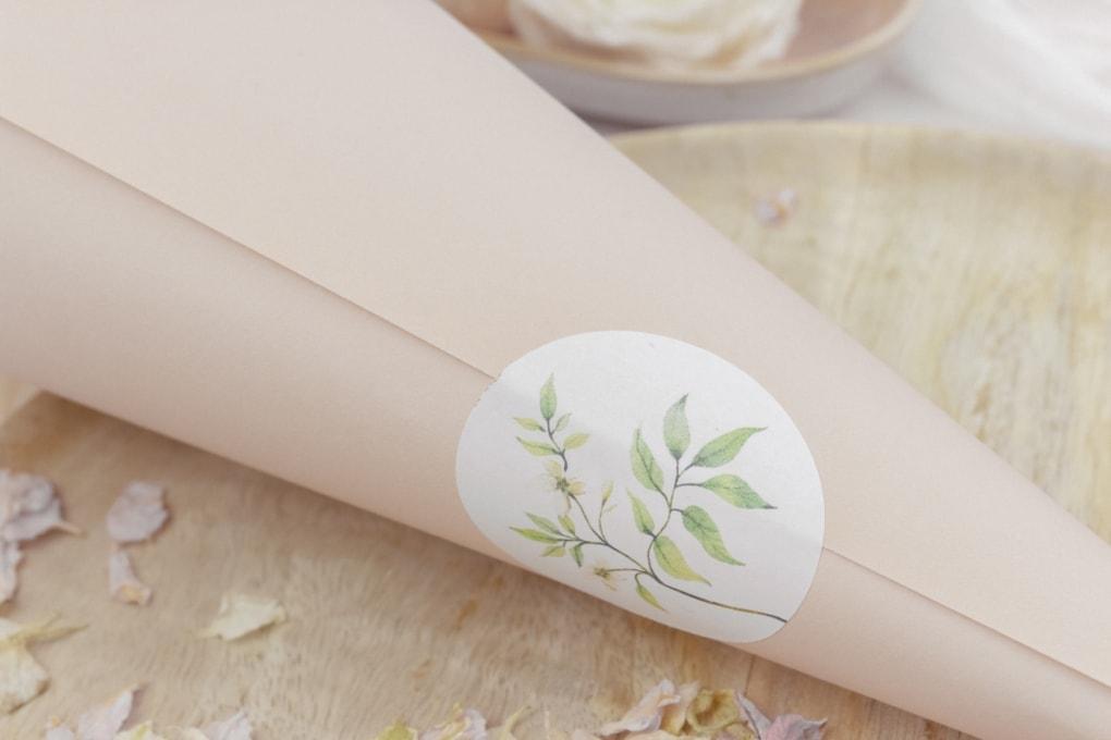 Miss-Hanami-Elegant-Blütenkegel