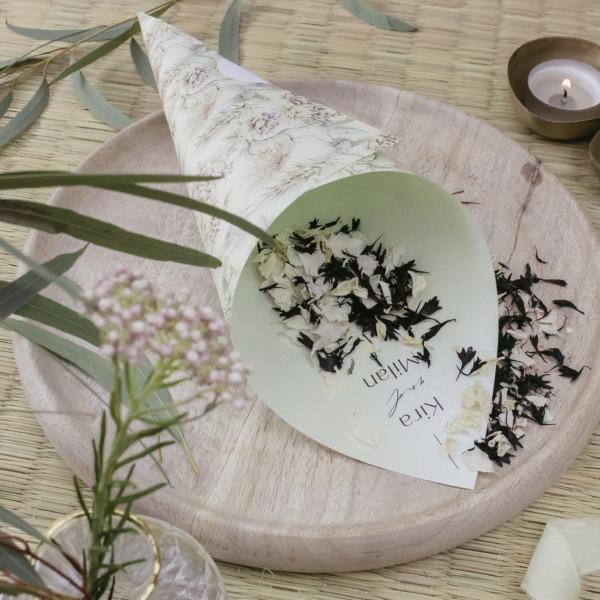 Miss Hanami Tokio Blütenkegel