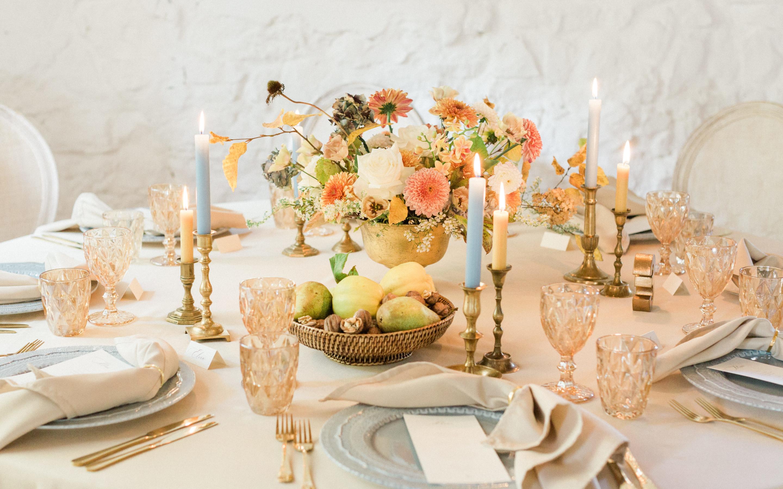 Vier Jahreszeiten Herbsthochzeit Shooting-Hochzeit-Blush Ondina Photography Schloss Ehrenfels