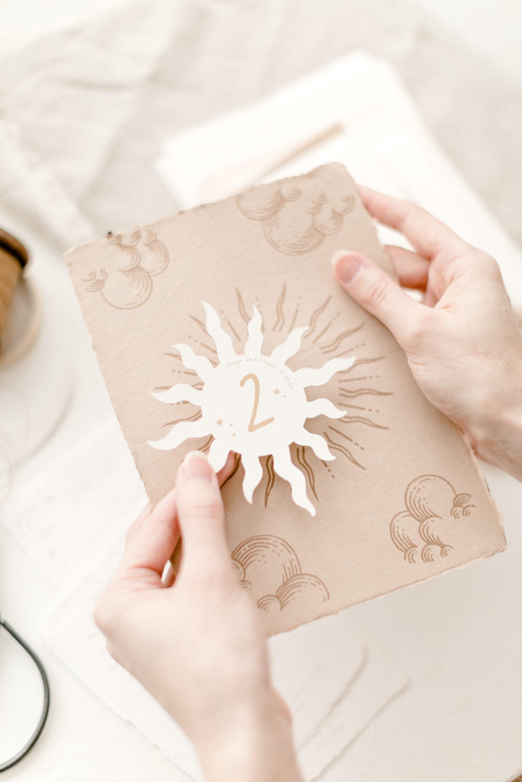 Hochzeitspapeterie Celestial Sonne beige
