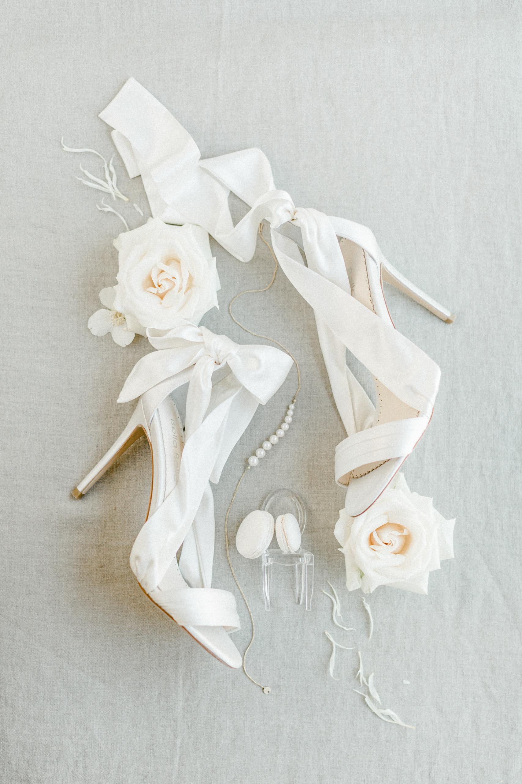 White Wedding Pour l'amour Fine Art Brautschuhe