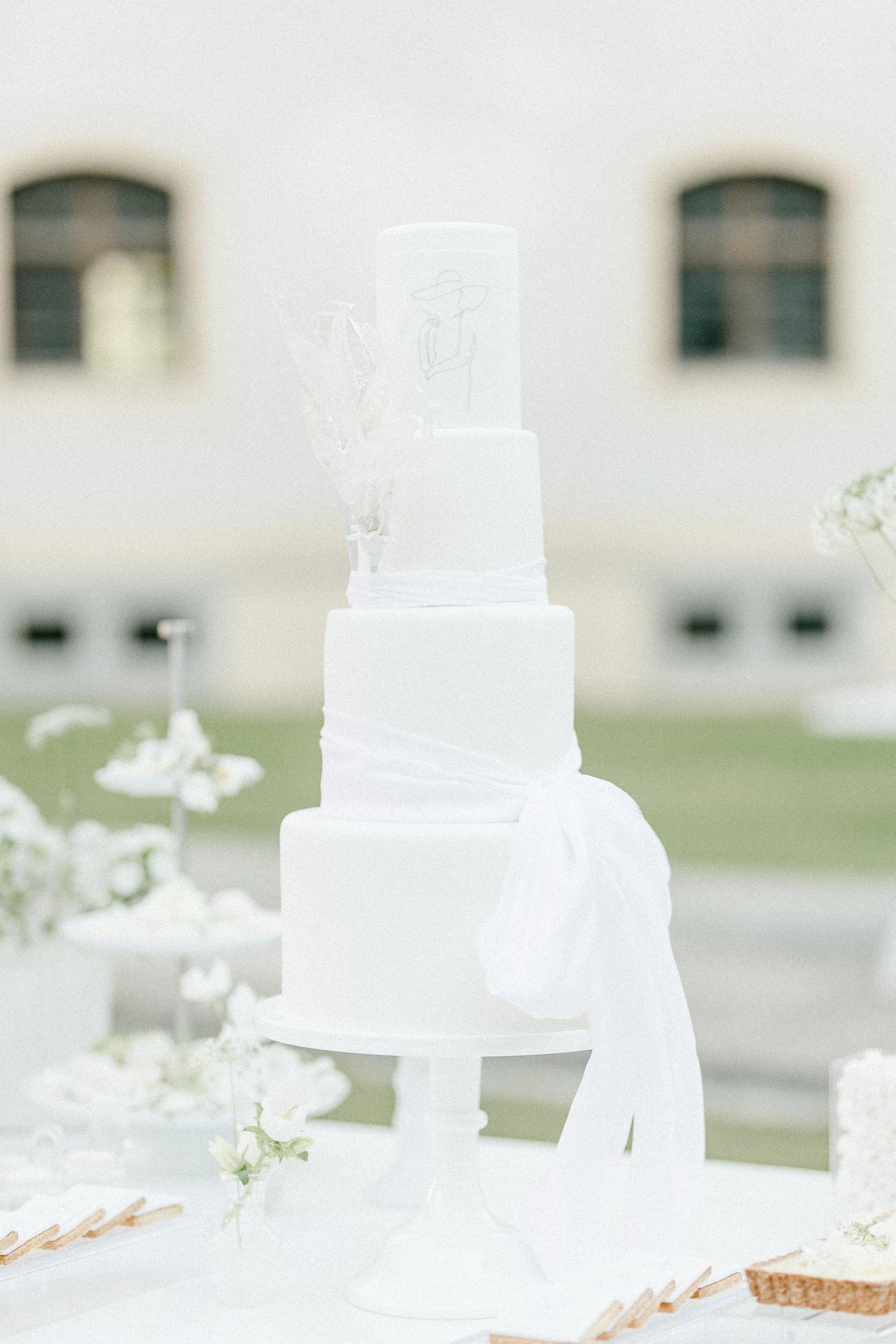 White Wedding Pour l'amour Fine Art Hochzeitstorte