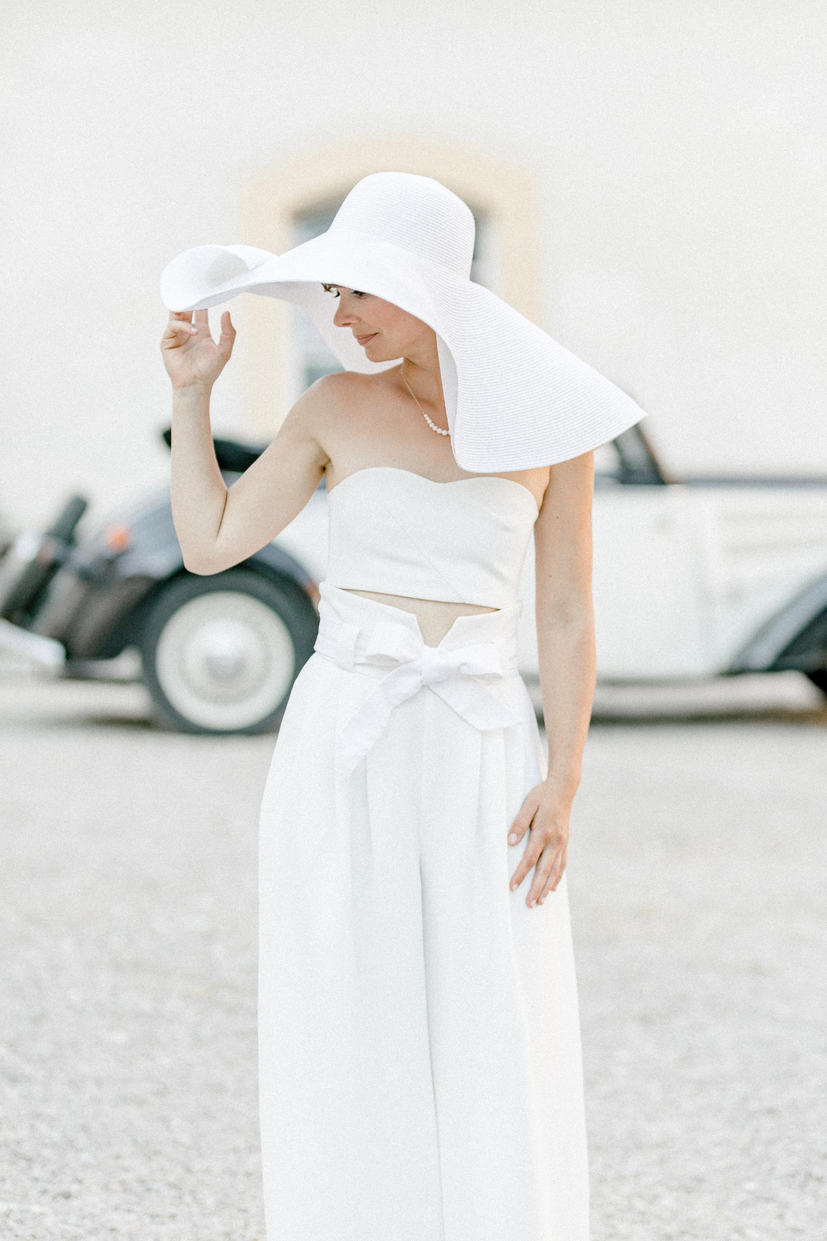 White Wedding Pour l'amour Fine Art Hut weiß
