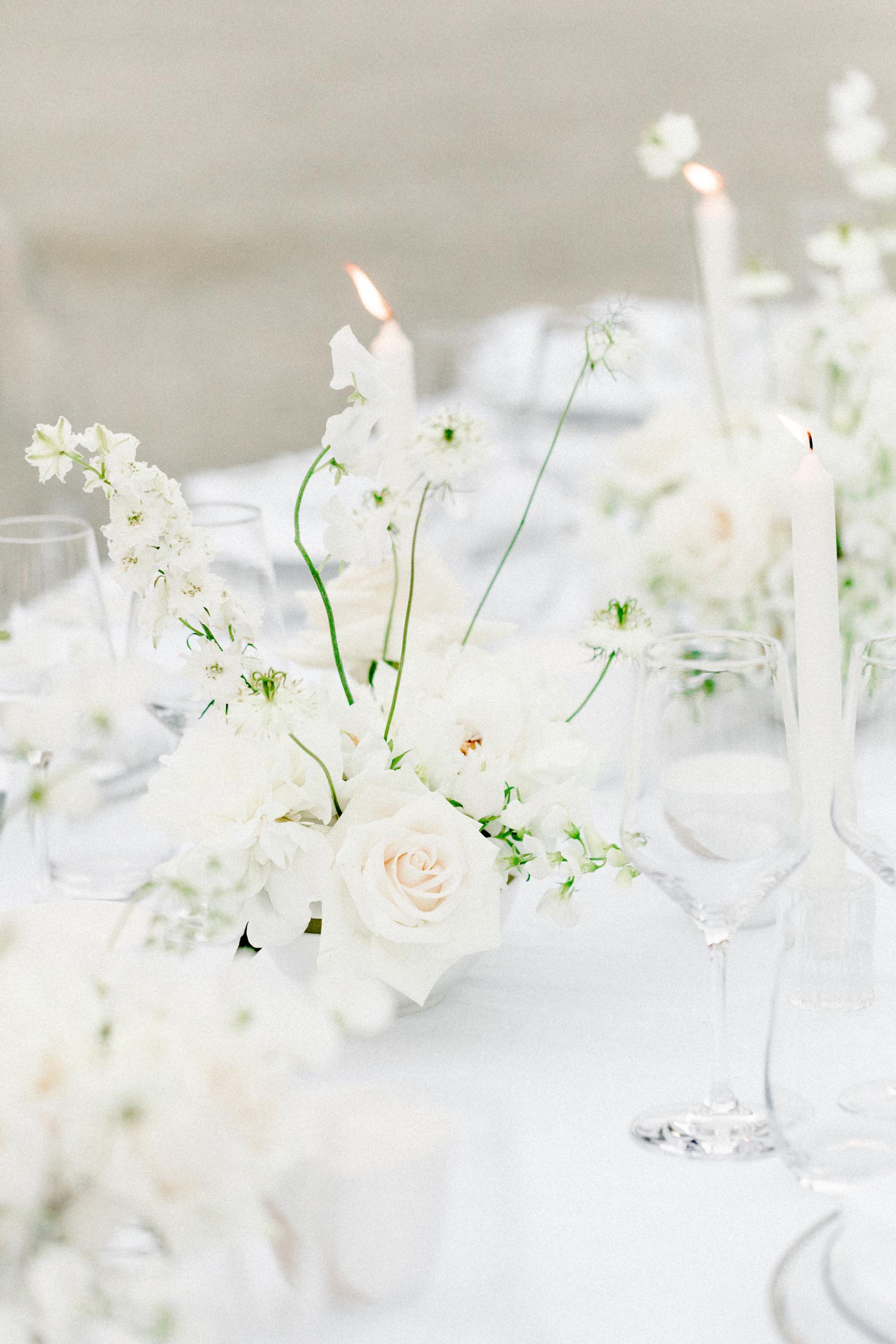 White Wedding Pour l'amour Fine Art Blumengesteck