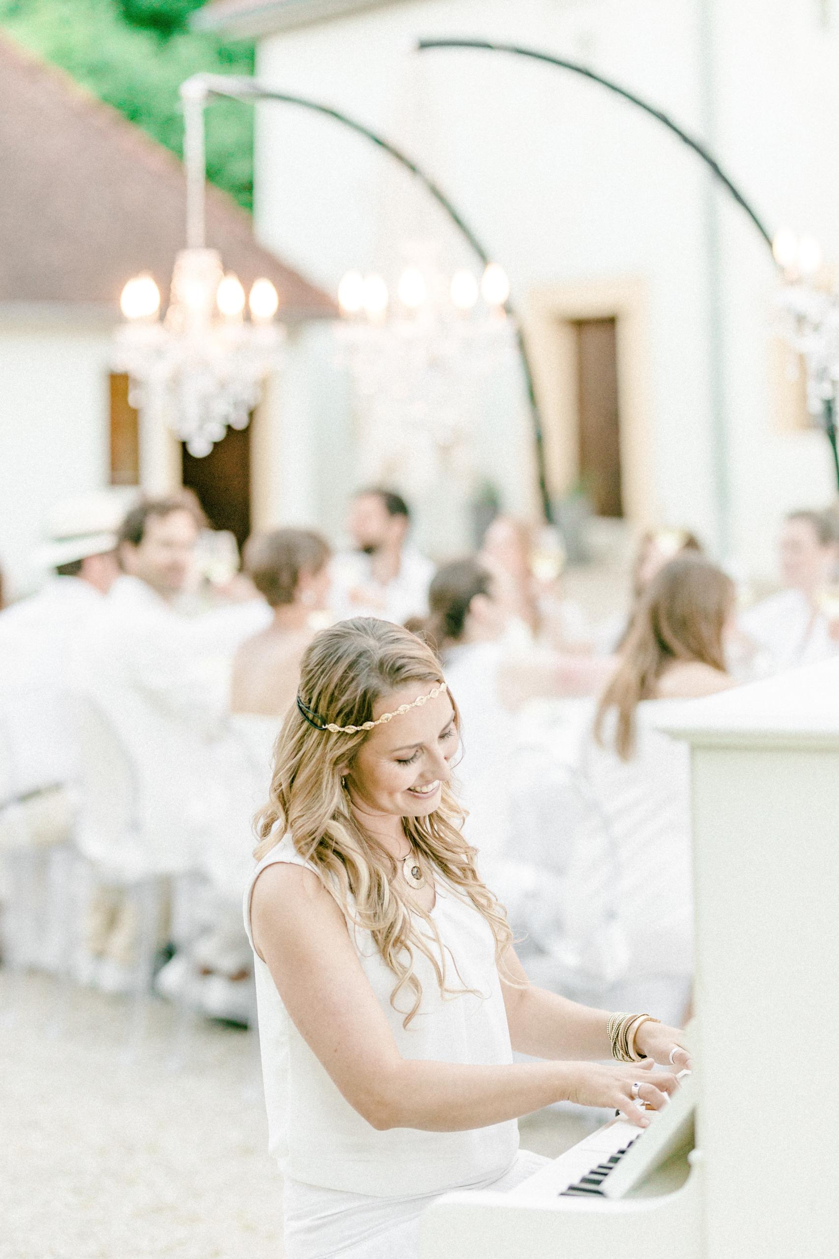 White Wedding Pour l'amour Fine Art Klavier weiß
