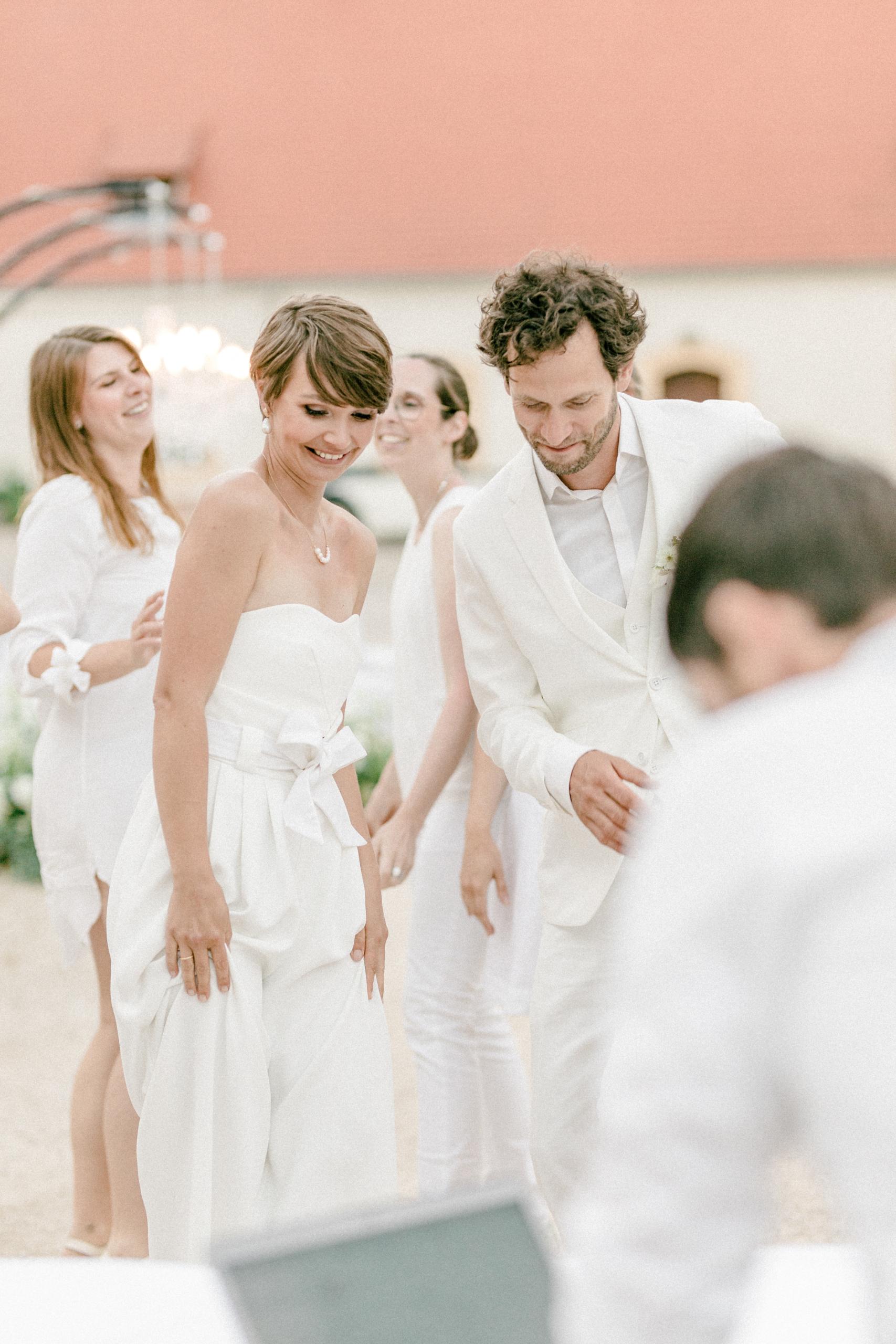 White Wedding Pour l'amour Fine Art Party DJ