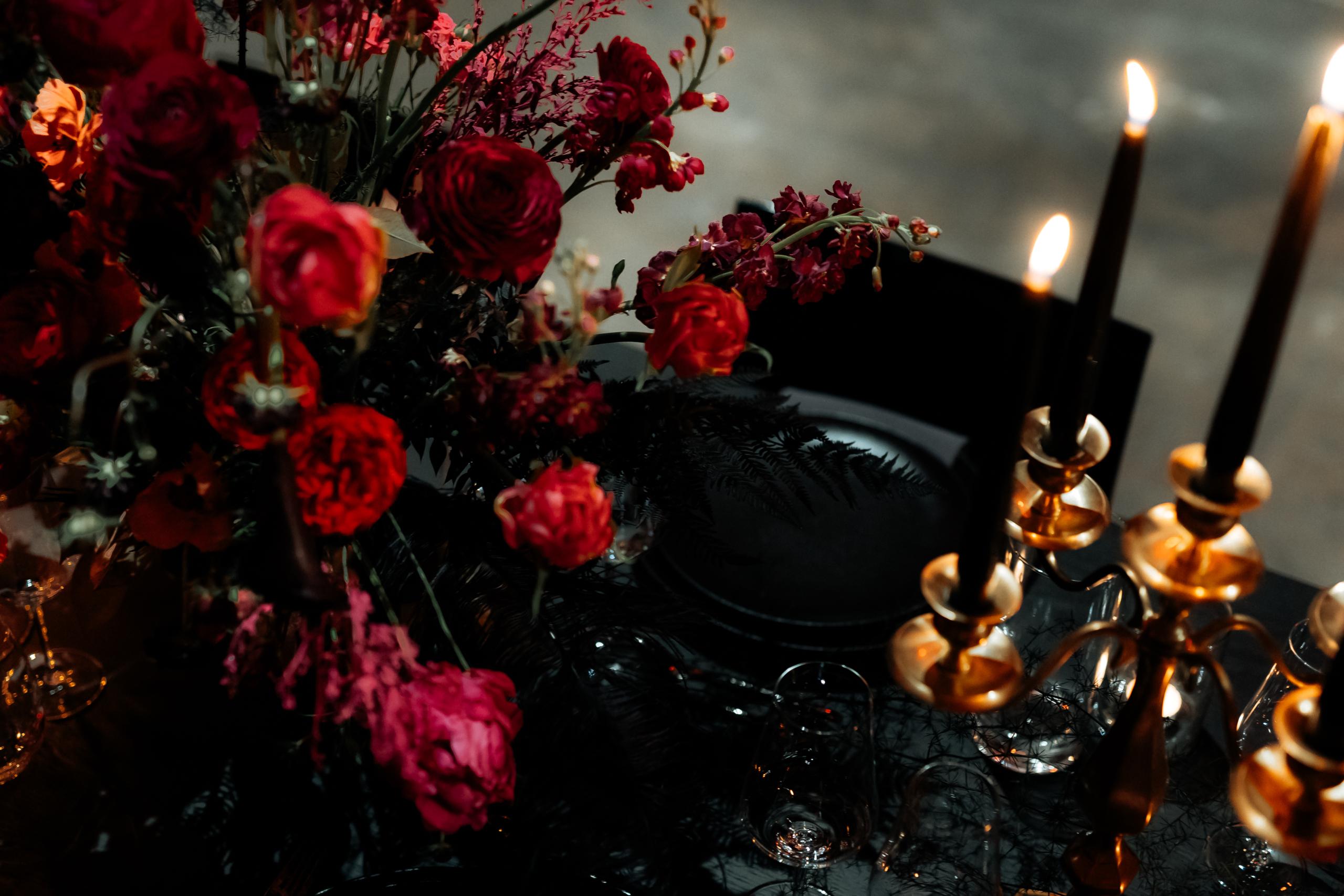 Dark Romance Black & Pink | Rosa & Schwarz Hochzeit industrial Kraftwerk Rottweil Table Setting EH