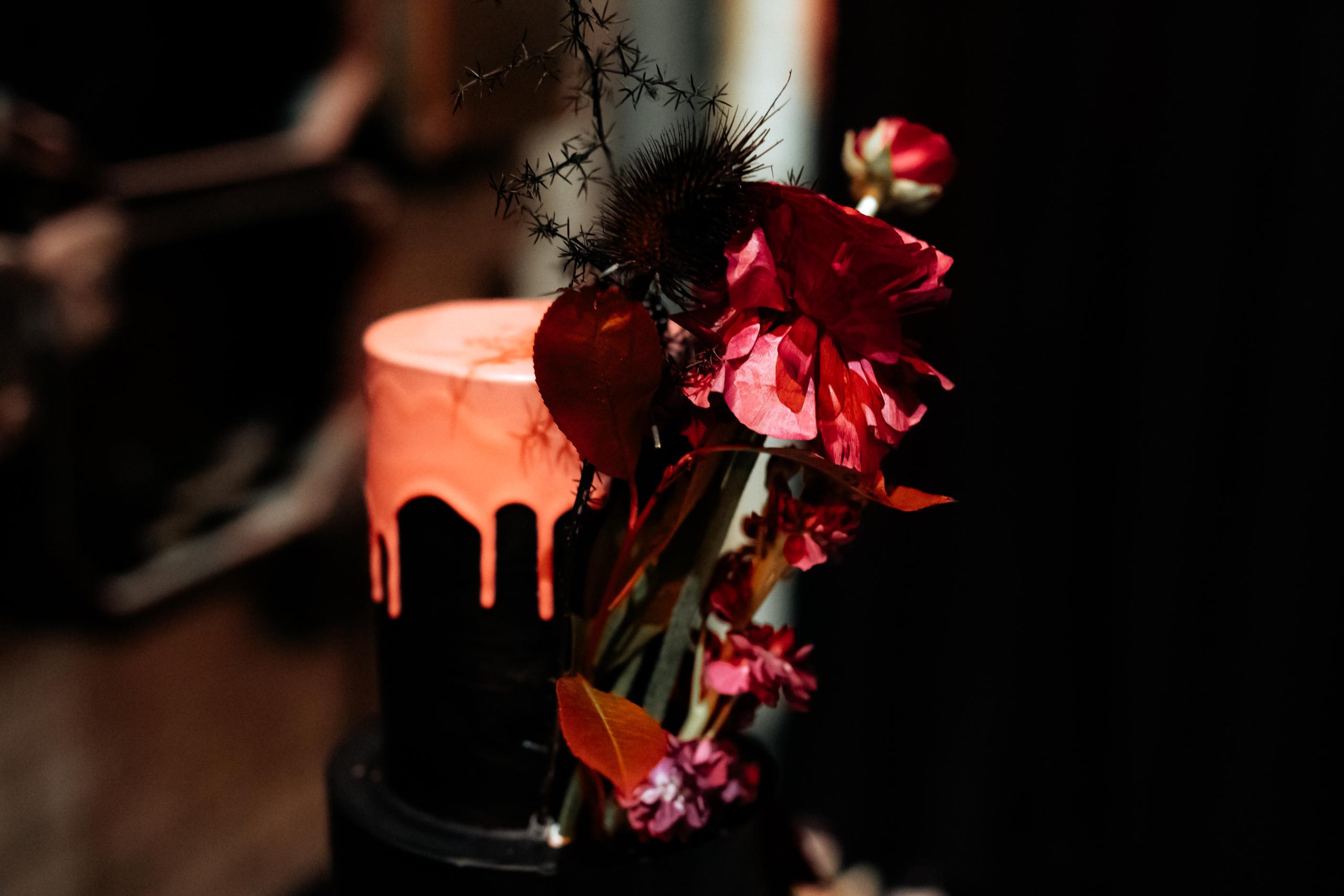 Dark Romance Black & Pink | Rosa & Schwarz Hochzeit industrial Kraftwerk Rottweil Candy Table EH