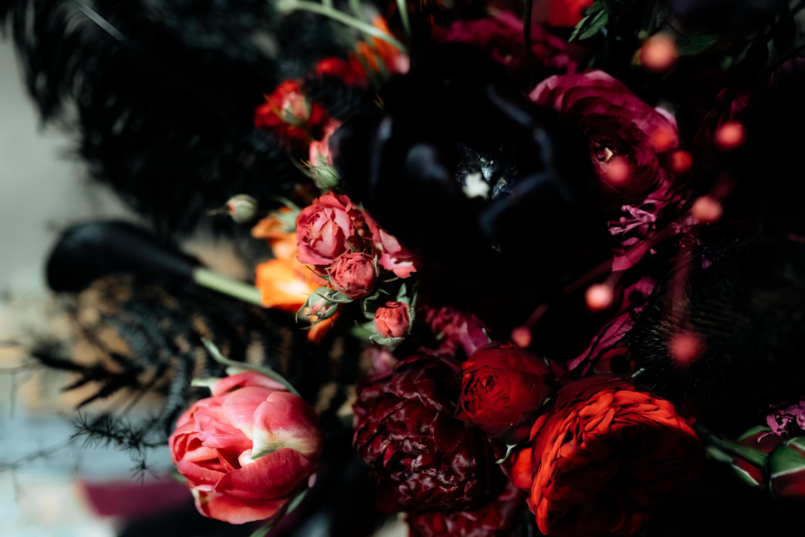 Dark Romance Black & Pink | Rosa & Schwarz Hochzeit industrial Kraftwerk Rottweil Brautstrauß EH