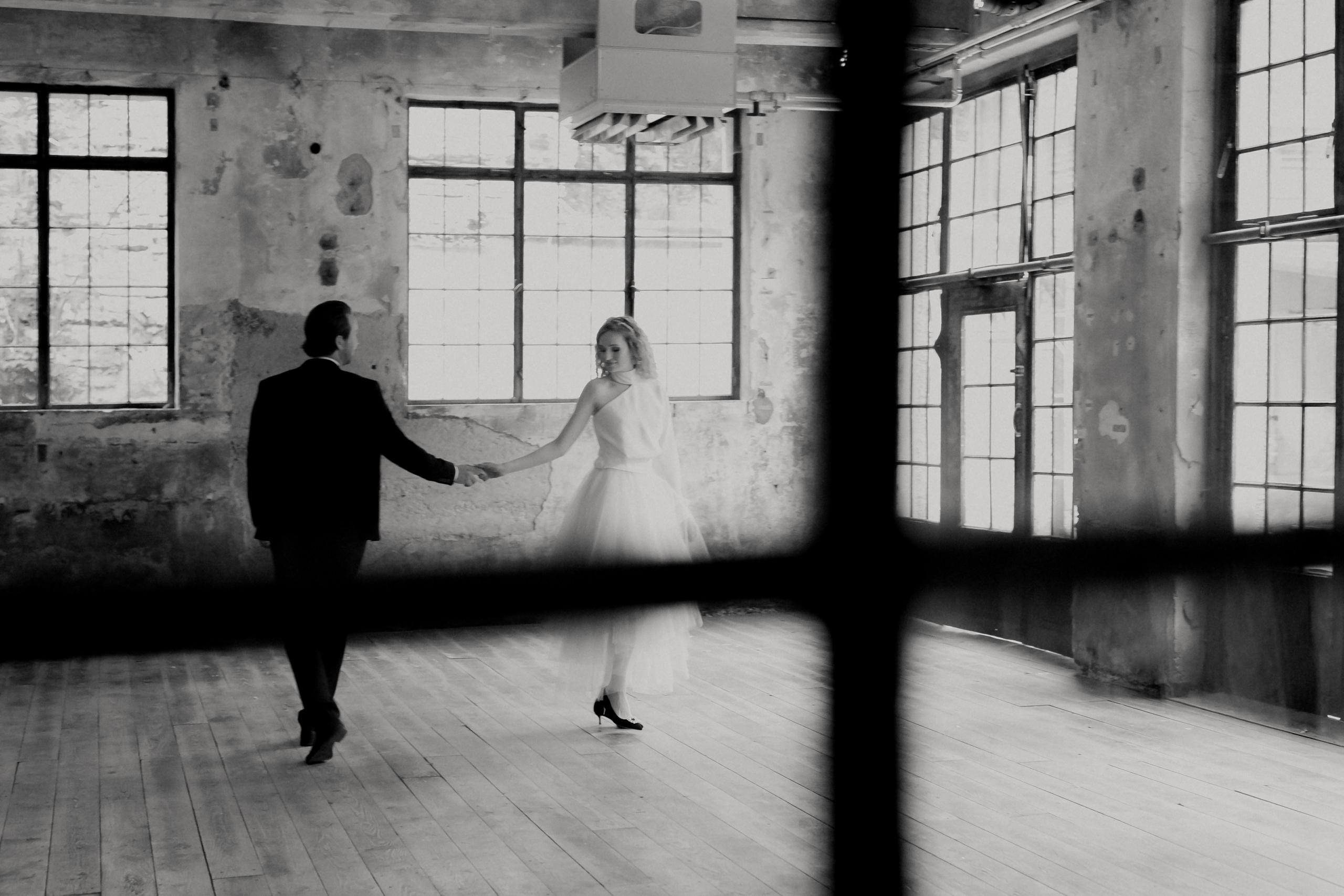 Dark Romance Black & Pink | Rosa & Schwarz Hochzeit industrial Kraftwerk Rottweil Braut EH